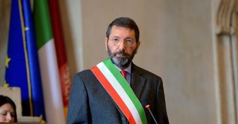 Sindaco di Roma, Marino ritira le dimissioni.