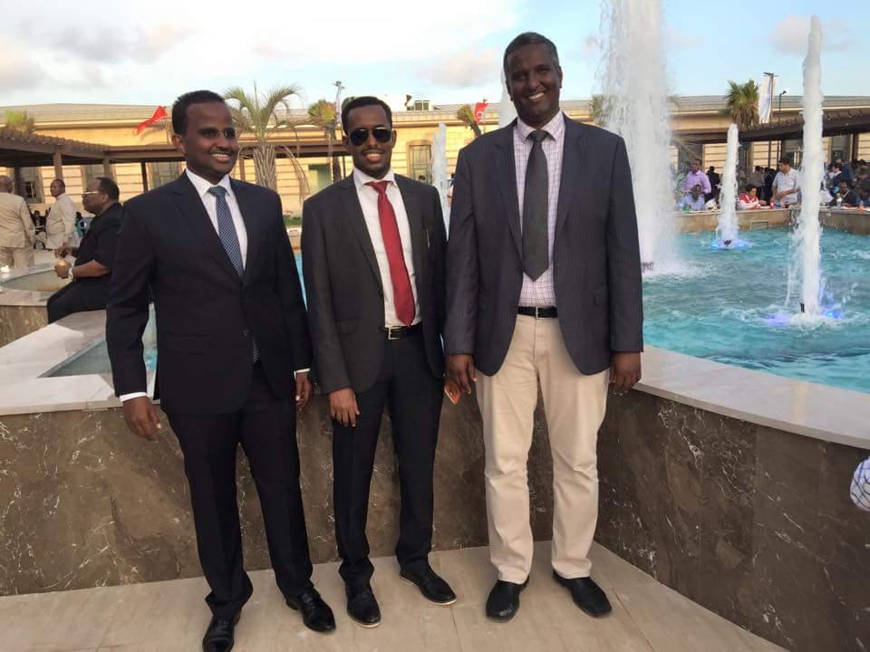 Guerre civile en Somalie - Page 2 CSg3hD4VAAIC3dc