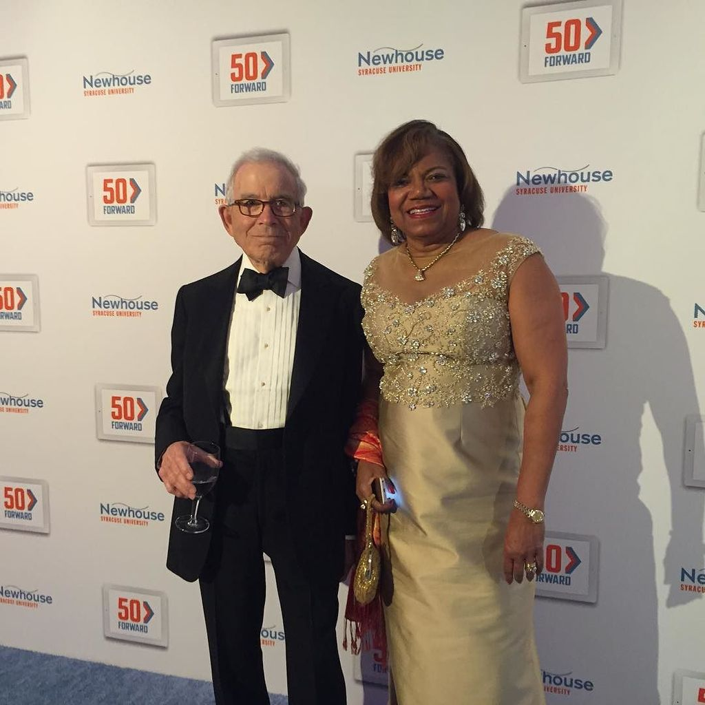 Dean Branham and Donald Newhouse pose for a photo at the #50Forward gala. #NewhouseSU 🍊 https://t.co/xAd7BkL8MW https://t.co/aPsLLoTayV