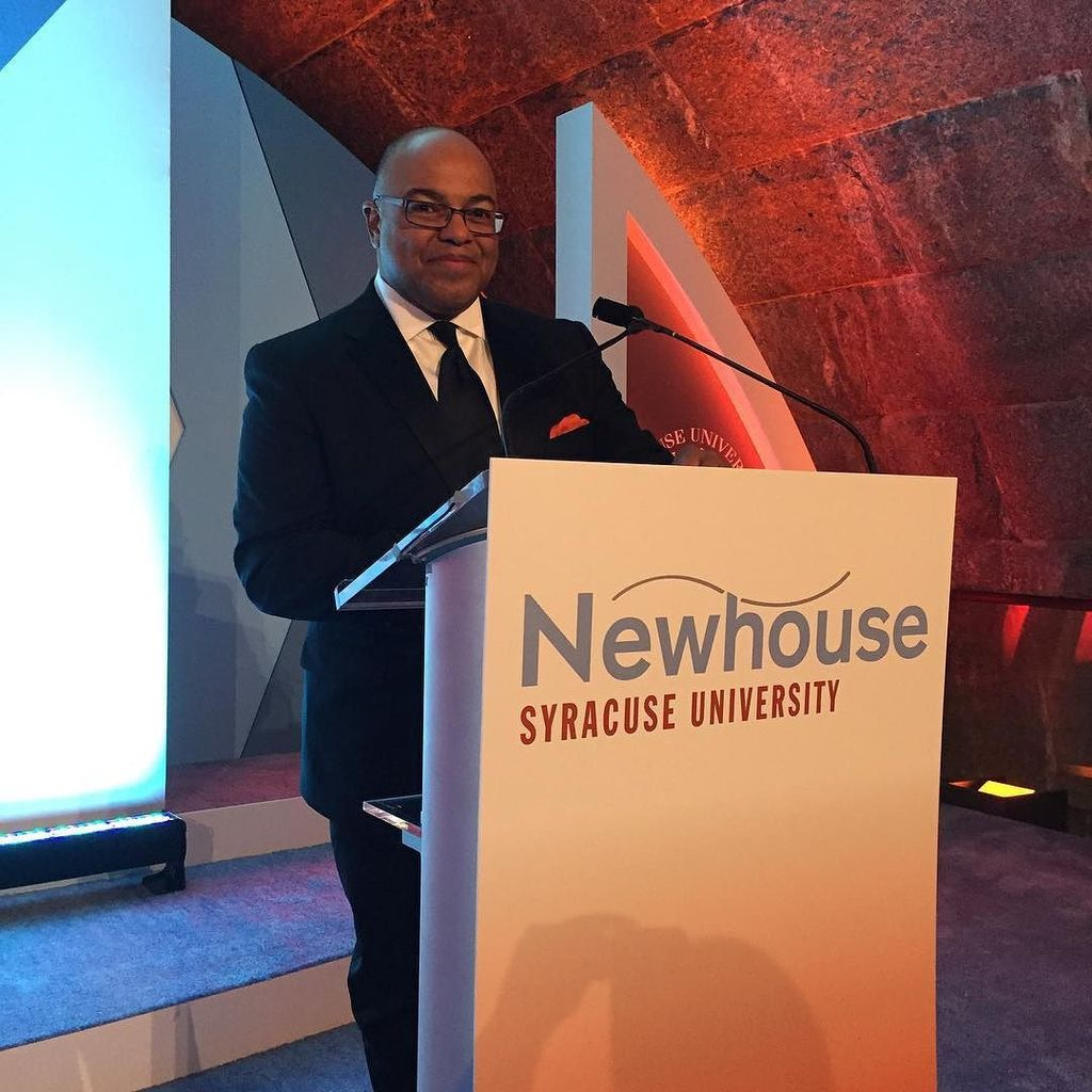 Our host for the evening, Mike Tirico '88, takes the stage! #NewhouseSU #50Forward https://t.co/av0kdhc9qu https://t.co/PigCNoRXho