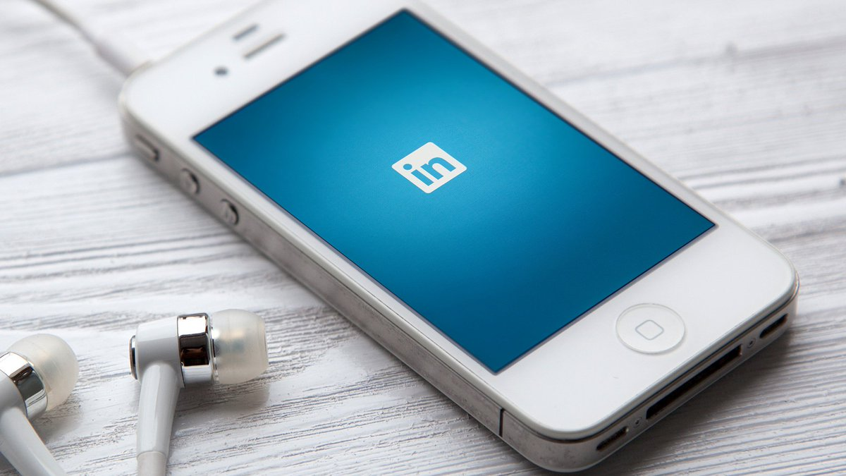 LinkedIn Beats Q3 Estimates With 78 Cents Per Share Earnings, $780M Revenue https://t.co/hpwBDJIO8b https://t.co/t5FSVHFfUf