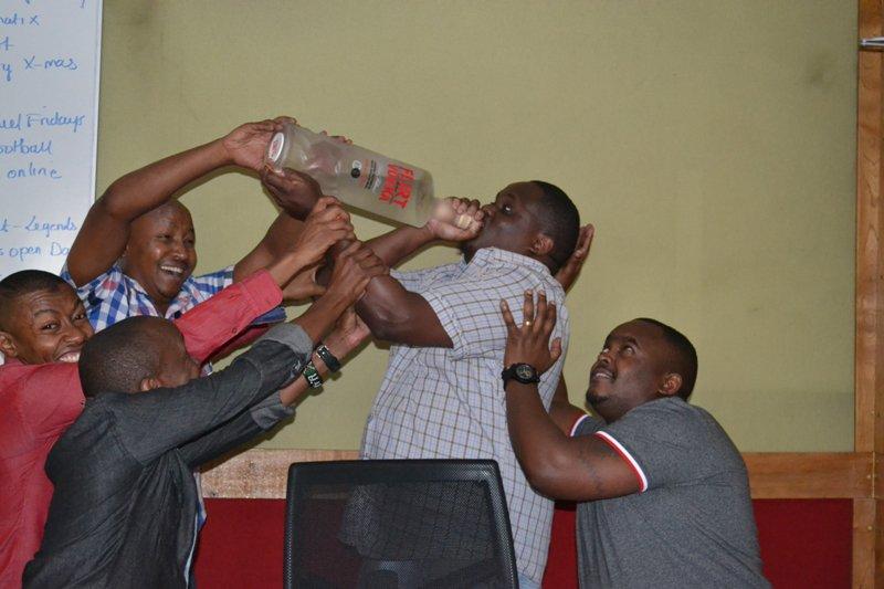Let the madness begin! cc @Palloti76 @Wdjay @tmuthusi @itssoulo @FlirtVodkaKenya  #TheJamTakeOver https://t.co/MQlh340KKl
