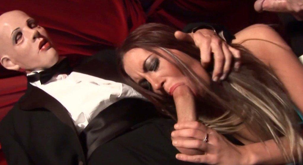 Shannon elizabeth playboy nude