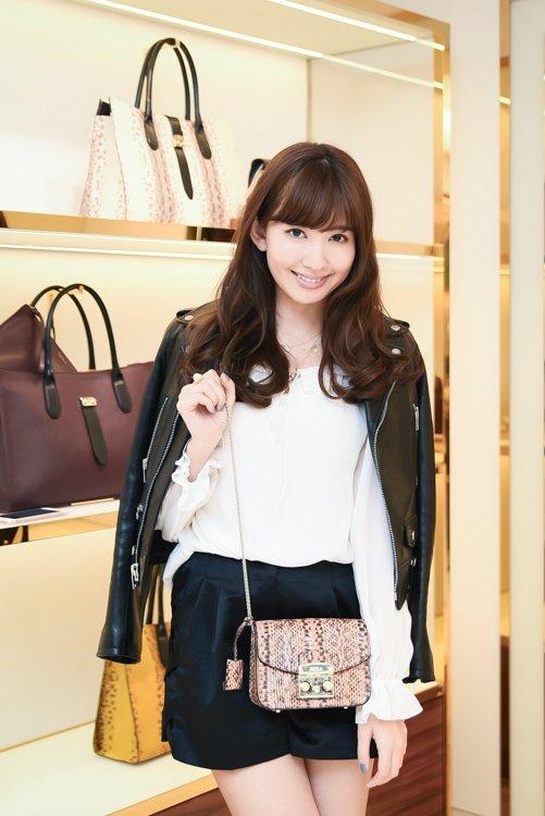 【スナップ】AKB48の小嶋 陽菜さんを銀座で撮影 https://t.co/EHkWg0rBb4