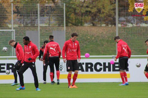 Christian #Gentner, #SereyDié & Robbie #Kruse are a step ahead of #Kostic and warm-up with #VfB team already.<br>http://pic.twitter.com/GlH3mAcBIY