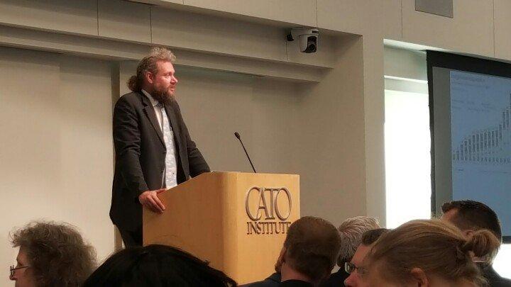 UN IPCC Lead Author Dr. Richard Tol bolts warmist narrative: Calls Gore's claims 'complete madness'