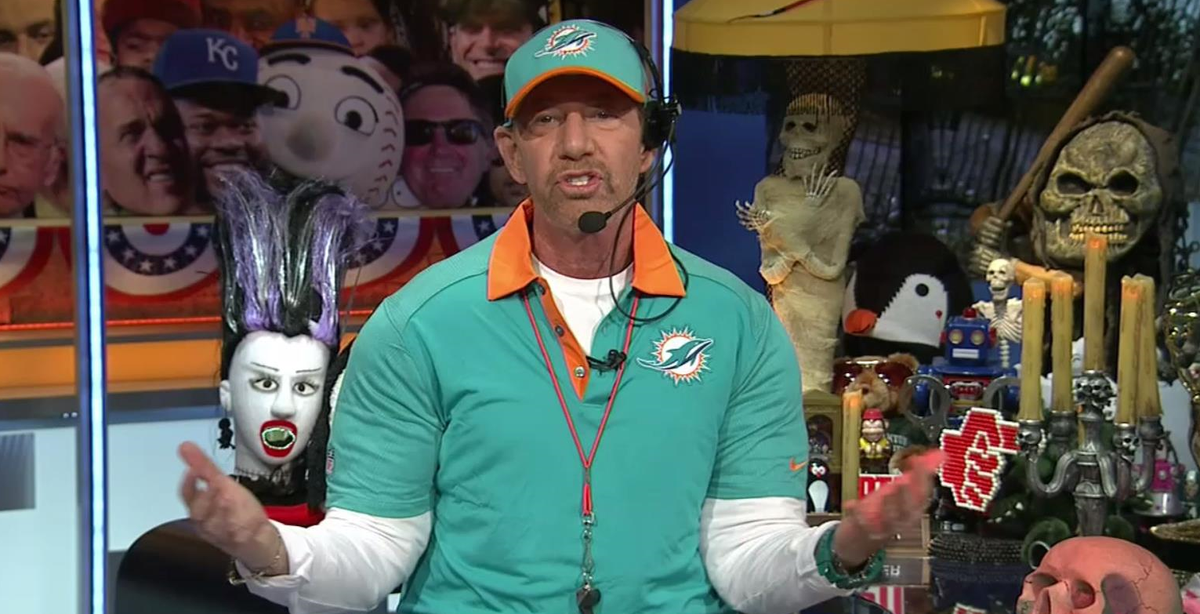 ptis tony kornheiser goes w miamidolphins head coach dan campbell as his halloween costume httpstco6hztjisuuh