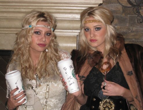 aly aj on twitter 1 fbf mary kate ashley httpstconbqwkbilb7 - Mary Kate And Ashley Olsen Halloween