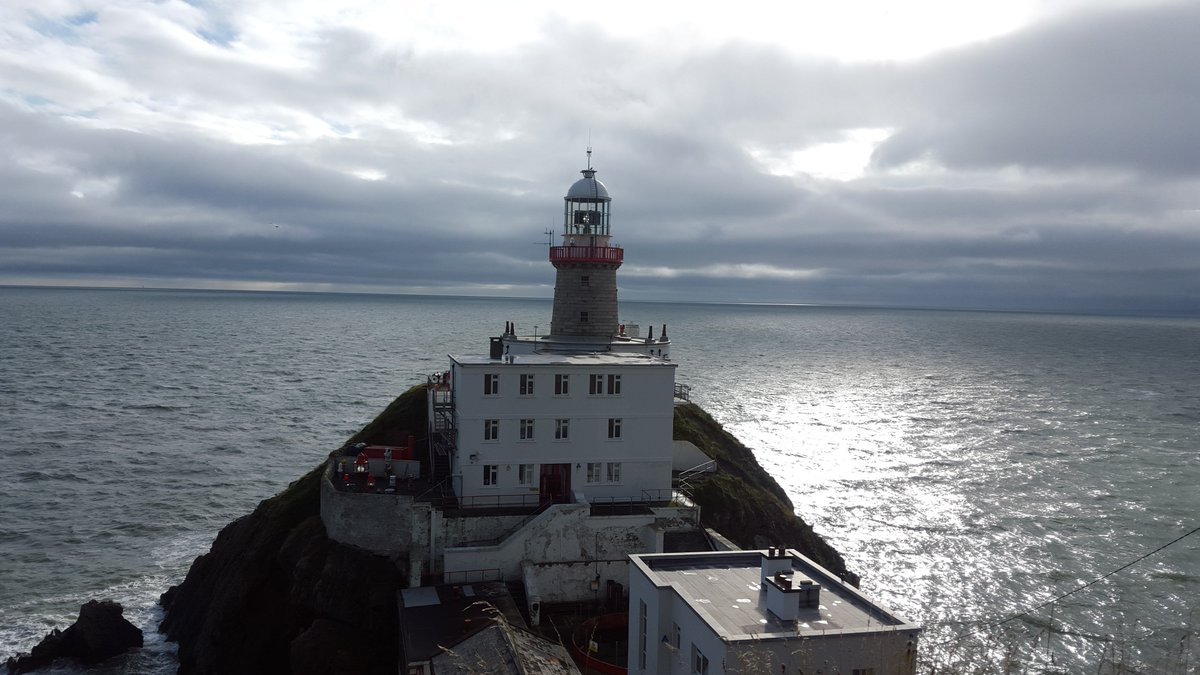 Stunning views from our live broadcast at the Baily lighthouse #howth 10-11am @RTERadio1 https://t.co/QN2PiM0DzH