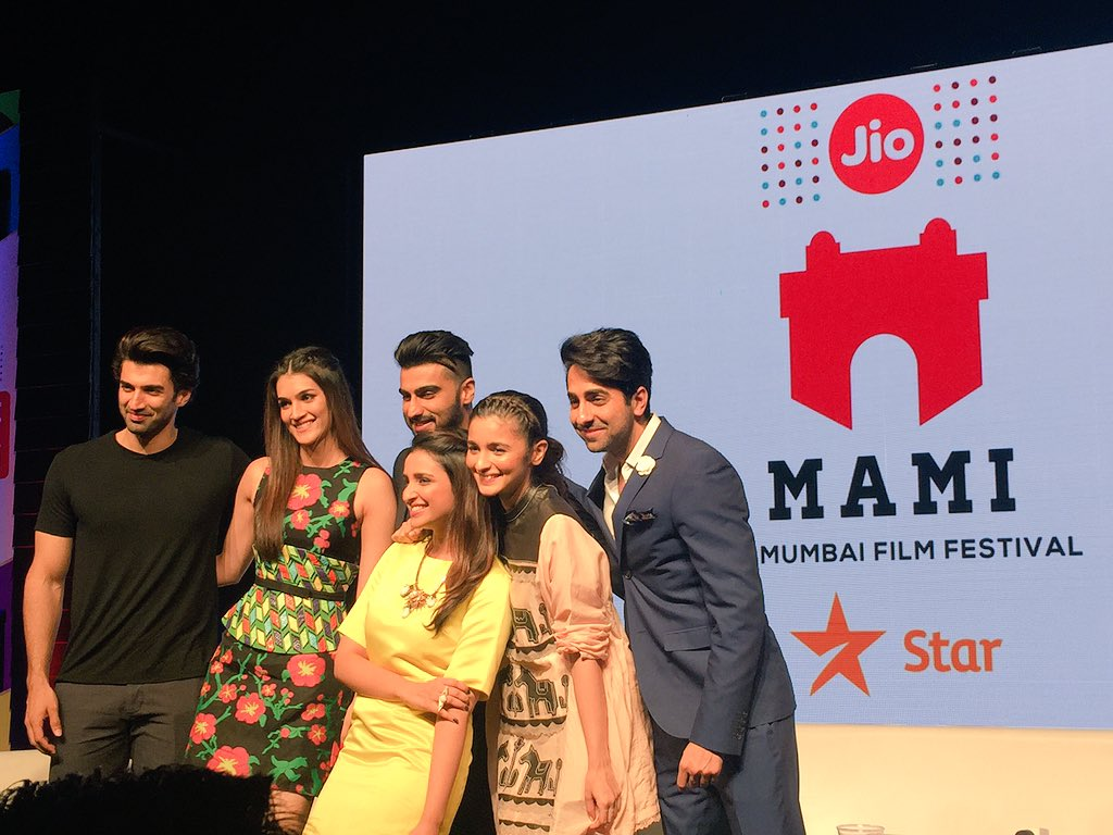 After a super fun chat with this lot at the #MovieMela #JioMAMIwithStar @aliaa08 @arjunk26 @ayushmannk @kritisanon https://t.co/93w3lbhy8S