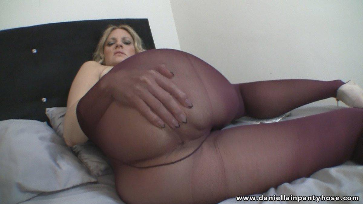 Phat bbw booty white girl sucks and rides negrofloripa 6