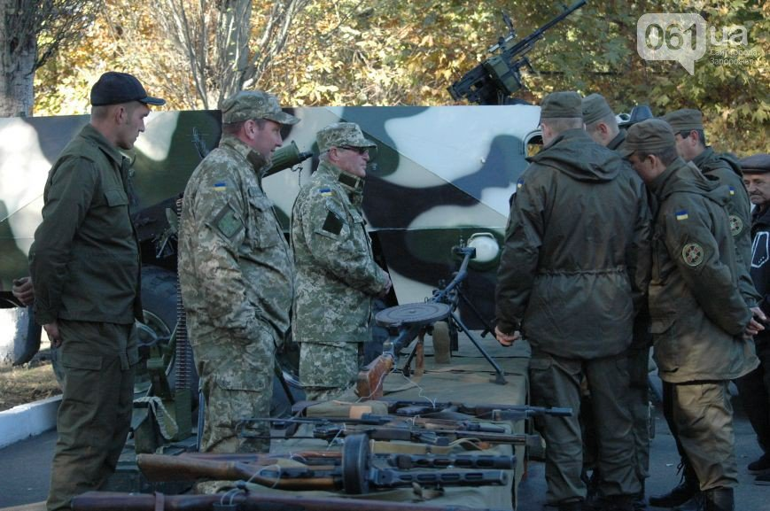 Два тайника с оружием выявлены в зоне АТО - Цензор.НЕТ 9186