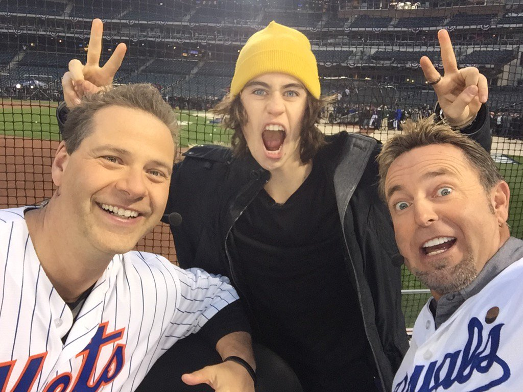Our new best friend @Nashgrier joined @ChrisRose and on @IntentionalTalk live from CitiField https://t.co/JWQ89QWfIV