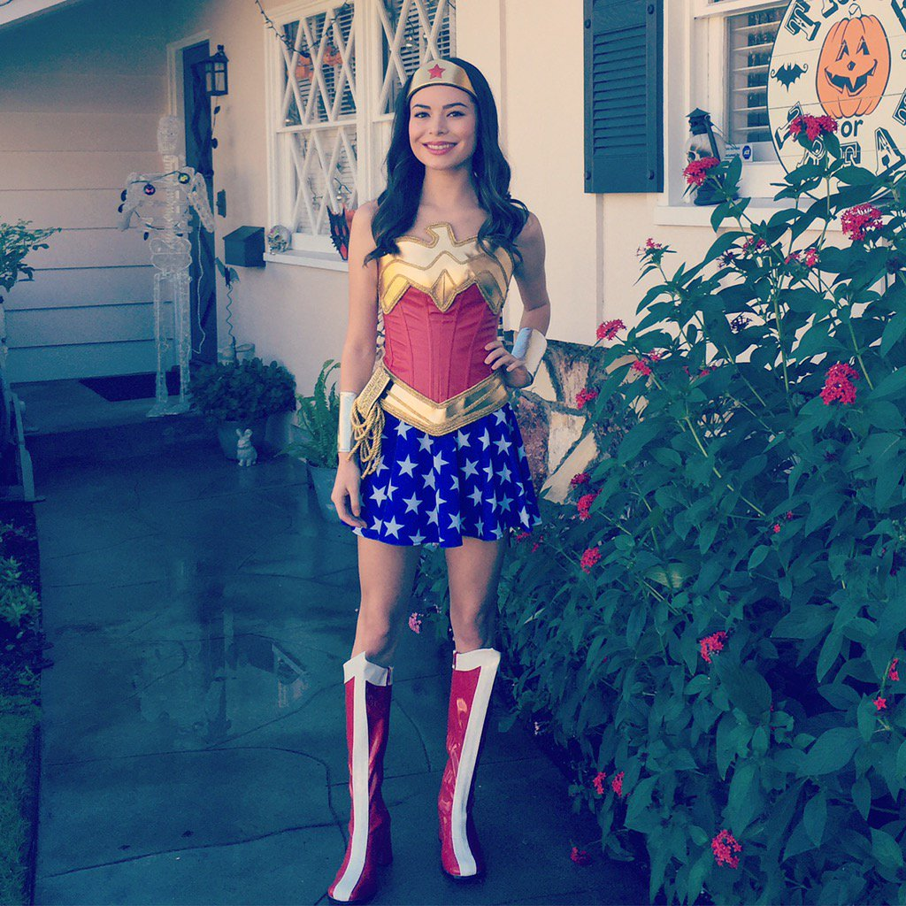 Miranda Cosgrove Now 2015
