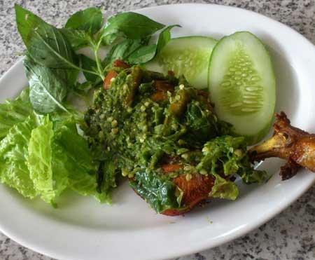 Resep Ayam Goreng Penyet Sambal Ijo Maknyus - AnekaNews.net