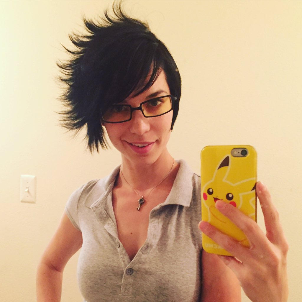 "pamela horton 🤜🏻 #e32018 on twitter: ""put on my @gunnaroptiks and"