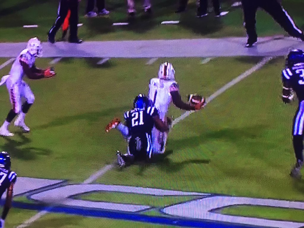 Hey @espn, when you show the legitimately amazing #MIAMIvsDUKE play, show this too. Knee seems down here. https://t.co/KJiprF3qtF
