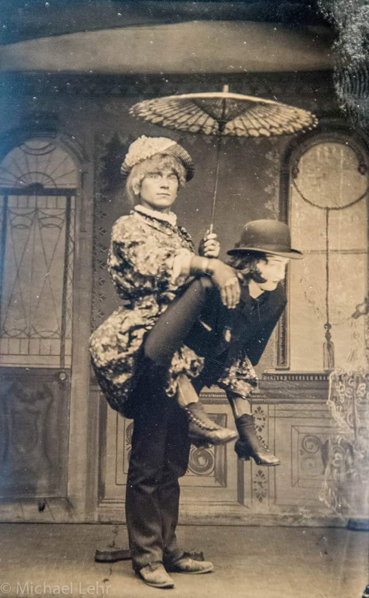Halloween Costumes In The 1800s.pic.twitter.com/JQuNdKsW58