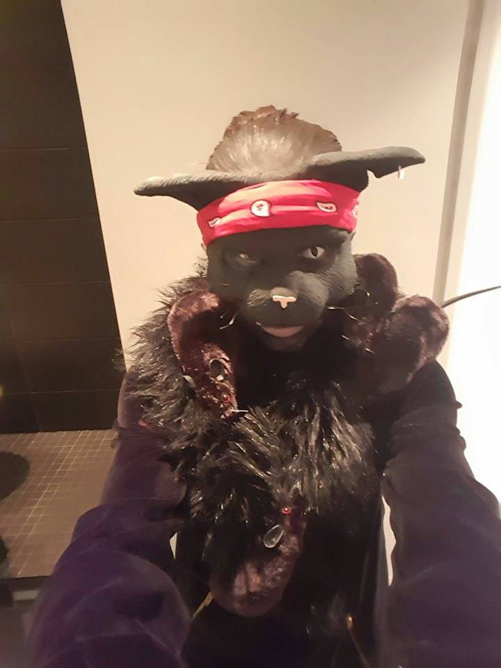 My halloween outfit last night…I introduce…Ratbag . meow LOL! https://t.co/KZxcuFGQGG
