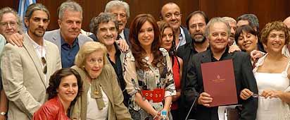 #OjoConMacri Mira este Hashtag no votas a Macri entra!