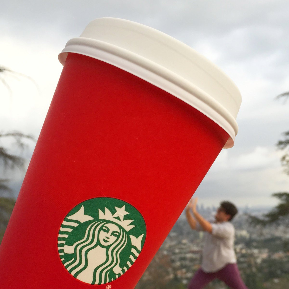 The red cups are back! This. Is. Huge.  #RedCups