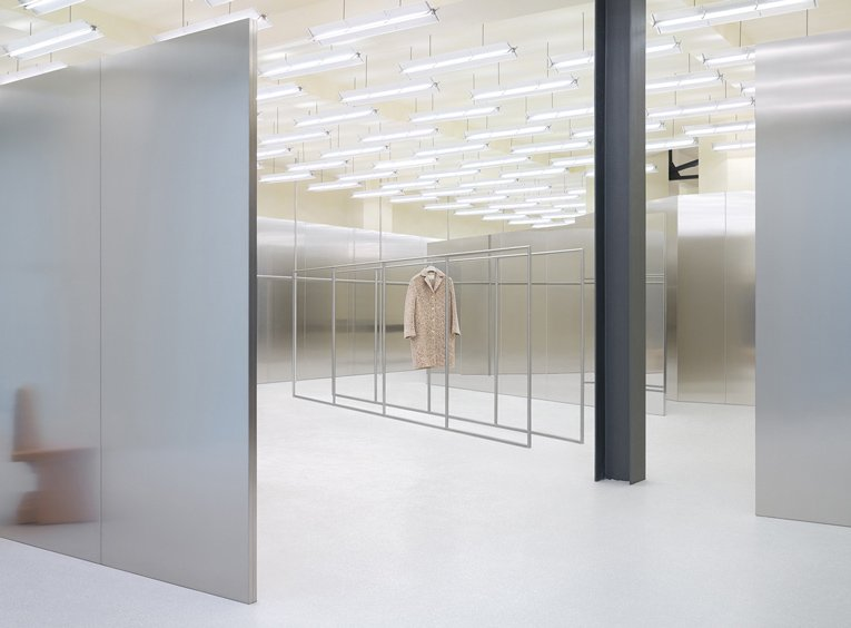 berlin: acne studios opening @acnestudios   https://t.co/CFzVBwQc6x https://t.co/lf0in73u8M