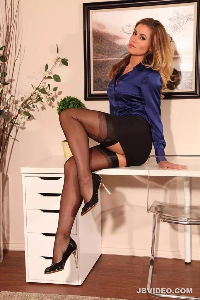 Fashion pantyhose teasing you, worled women fatter pussy pic