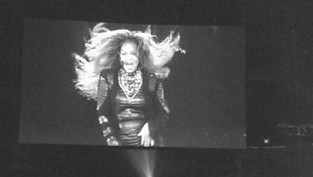 Miss Janet Jackson is giving us everything! https://t.co/JTaZ8VHkoL