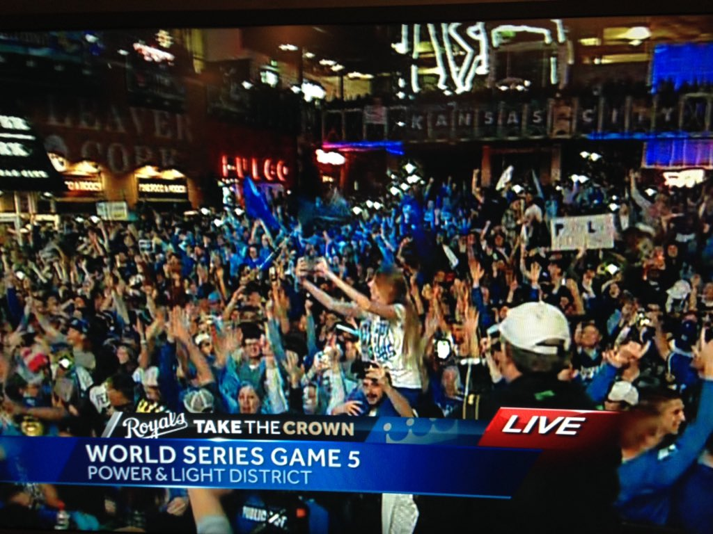 IT'S REALLY HAPPENED @Royals #TakeTheCrown @kmbc https://t.co/yhNBA5qlnC