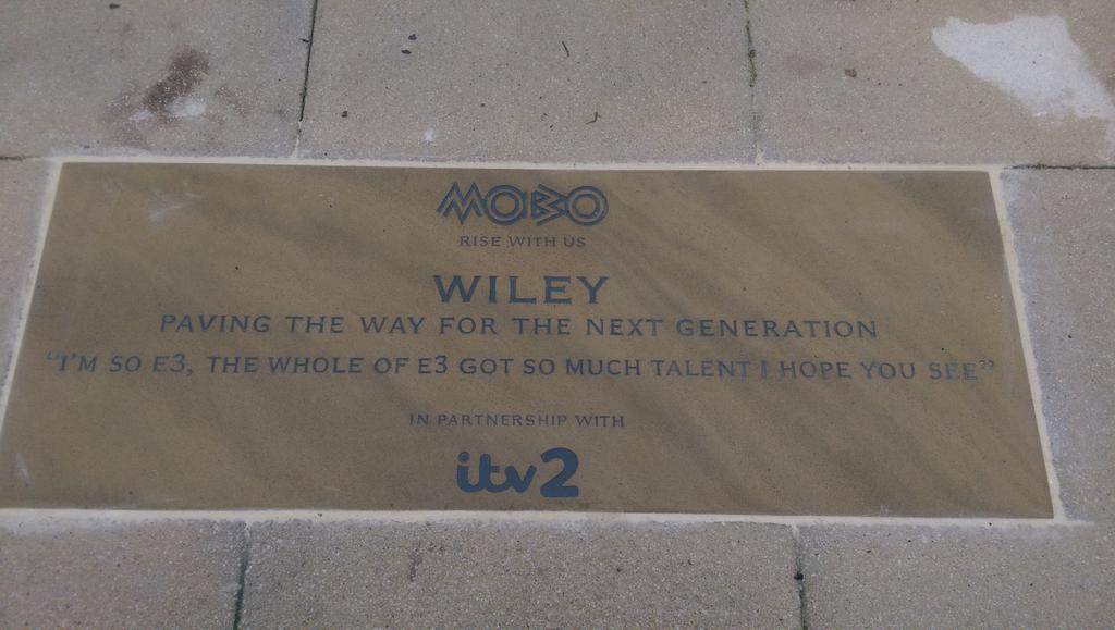 A very proud moment with @WileyUpdates going back to Bow school #PavingTheWay @MOBOAwards https://t.co/IpFqZOMB9N