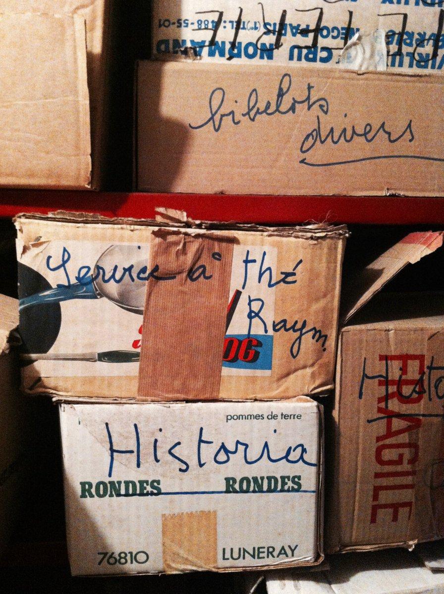 Notez déjà que Madeleine semblait être une femme bien organisée. Elle conservait les numéros d'Historia. https://t.co/ZhDlJjtMyL