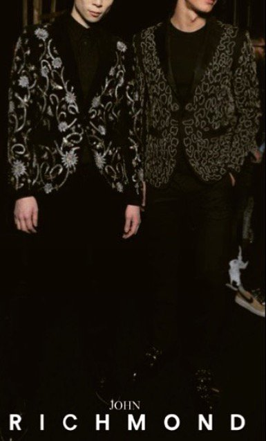 #johnrichmondofficial #backstage #menswear #fw1516 #suit #embroiedery https://t.co/Aot4gE2CH7