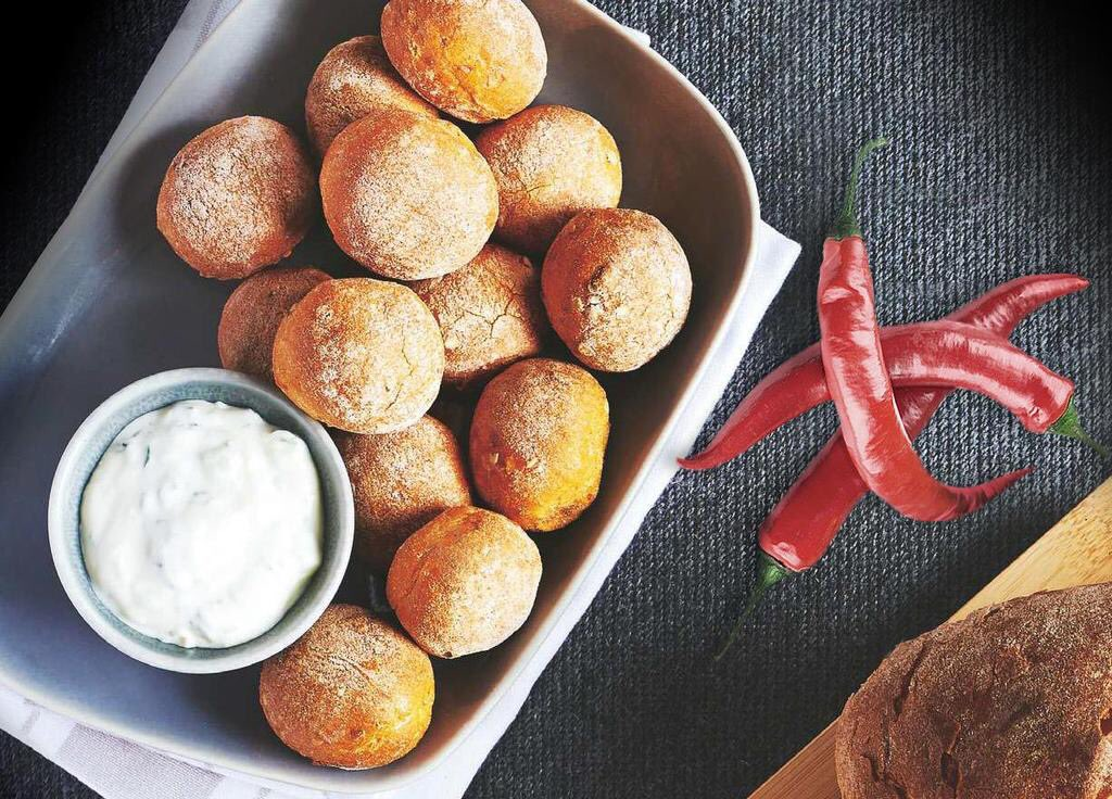 Dough balls are plentiful at #Pizzado HQ. What's your dip of choice to enjoy with @pizzado_kit? Garlic mayo for us! https://t.co/T2tXwWqdaR