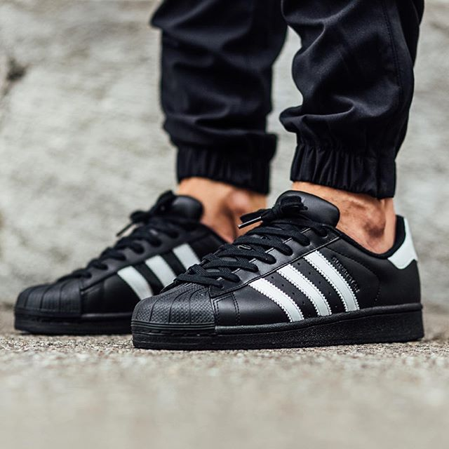 adidas superstar black on feet