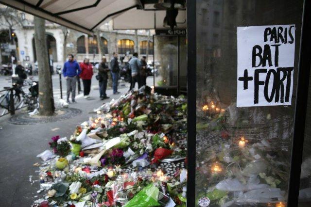 First attacker identified from Paris carnage https://t.co/DNwcMCIDyE #Fusillade #ParisAttacks