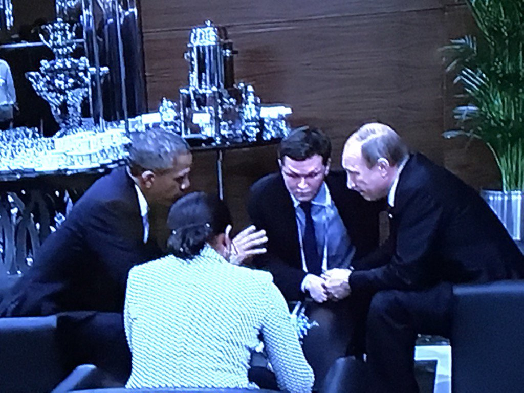 Obama and Putin find time to talk at the G20, sitting on couches in a reception room, with NSC adviser Susan Rice https://t.co/9W136Rsmoo