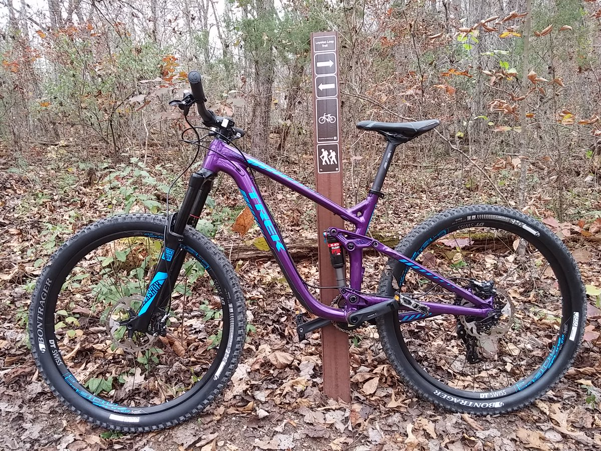 Super awesome afternoon of mountain biking with friends. Oh and the new @TrekBikes rocks!! His name is Prince. https://t.co/IGjFroAb3E