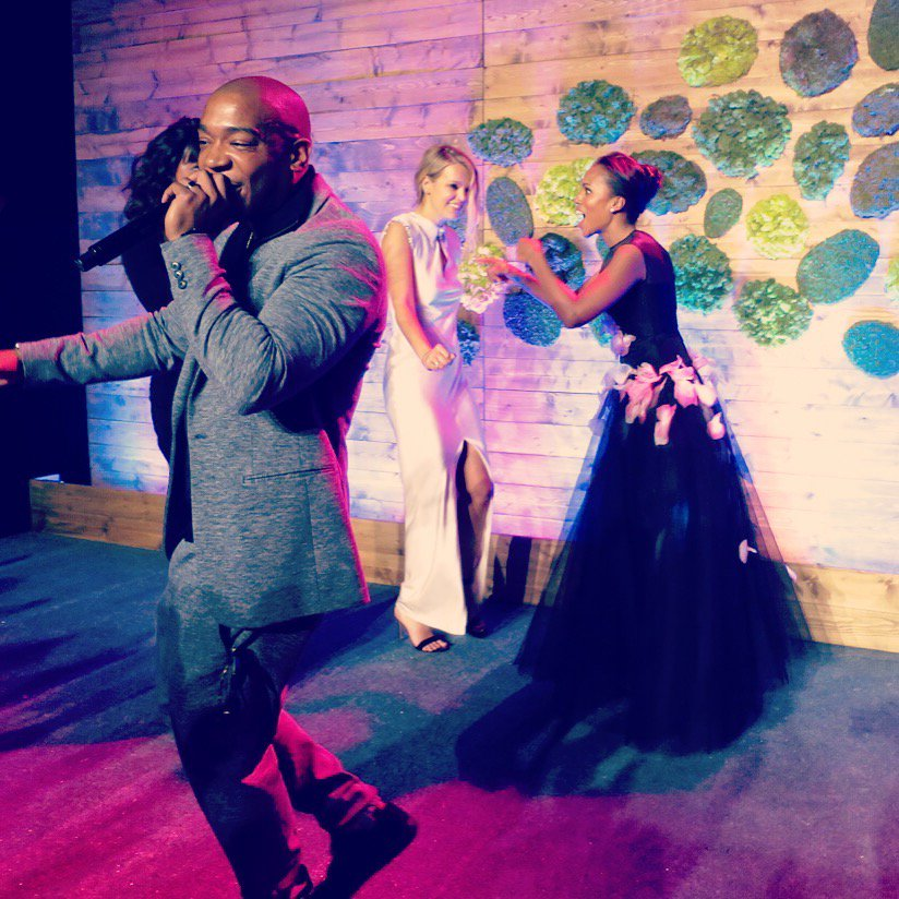 2 million dollars for @baby2baby and me & @kerrywashington got to be Ja Rules backup dancers! DONE! #baby2babygala https://t.co/14dNuNiGl2