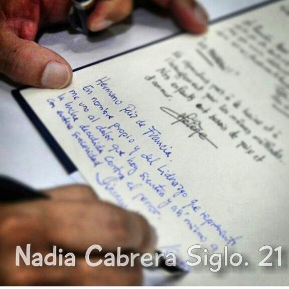 "Presidente electo Jimmy Morales escribe ""Paiz"" en lugar de ""País"". https://t.co/VhcqjZYm23"