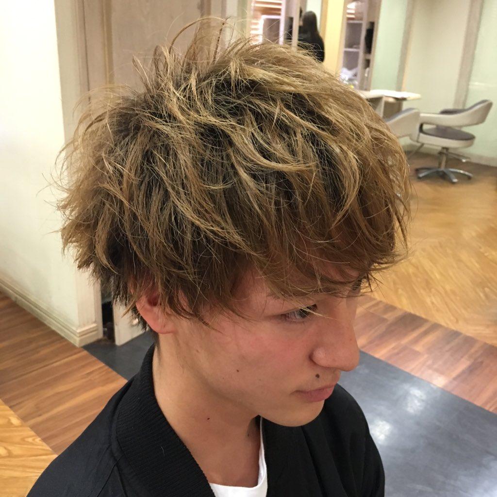 今日はいつも撮影モデルしてくれてるイッキ君がカットしに来てくれたよ〜^ ^ ゆるふわマッシュでいい感じ〜\(^o^)/ 大阪メンズカット 大阪メンズ髪型 メンズ