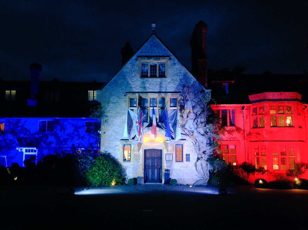 Tonight our #French flag @lemanoir flies and let's us think, pray and remember Friday 13th #Prayers4Paris https://t.co/SH2lkdcFHo