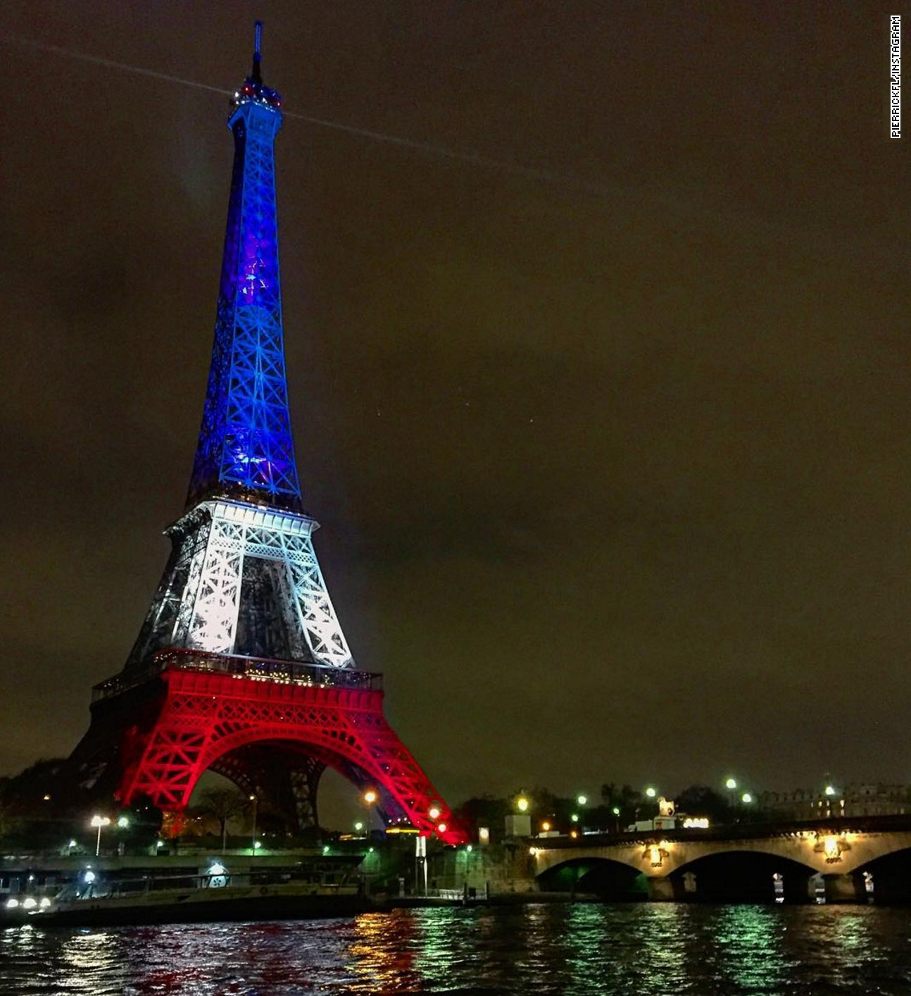 Twitter Moments: Eiffel Tower Lights Up For France