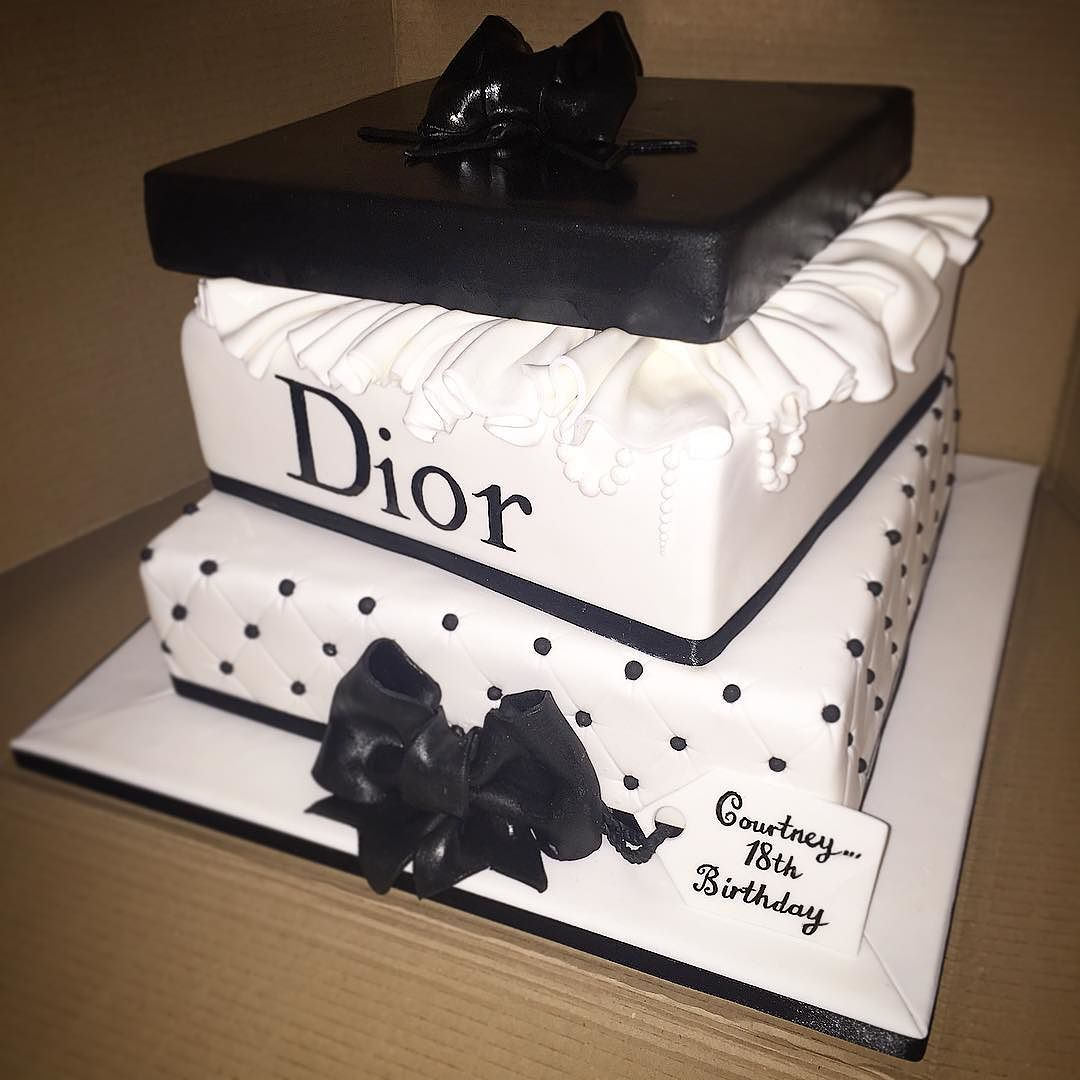 The Jester Cakery On Twitter Dior Giftbox Cake Diorcake