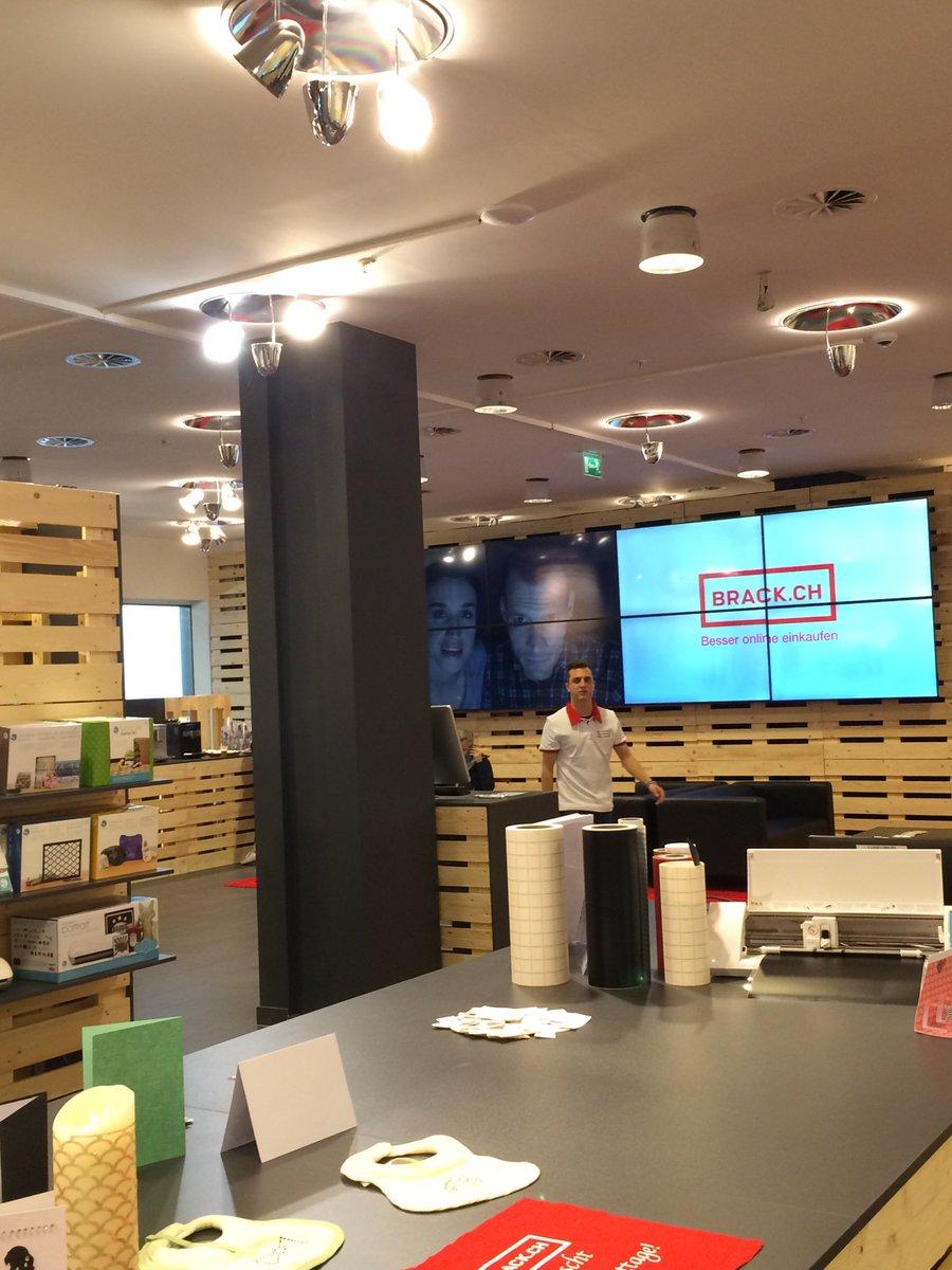 Eindrücke aus unserem Pop-up Store im @shoppitivoli Spreitenbach  #spreitebrack https://t.co/YqdJflzhWJ