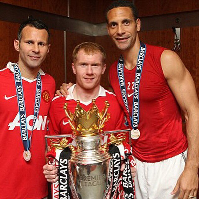 Happy birthday Scholesy.. Most naturally gifted footballer I have played with 👍⚽️ https://t.co/PihU7DmKhP