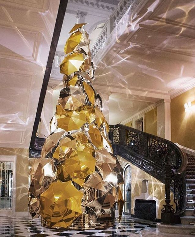 Today we unveil our Claridge's Christmas Tree 2015 by Christopher Bailey from @Burberry #burberry #claridgestree https://t.co/PoNpgQD99W