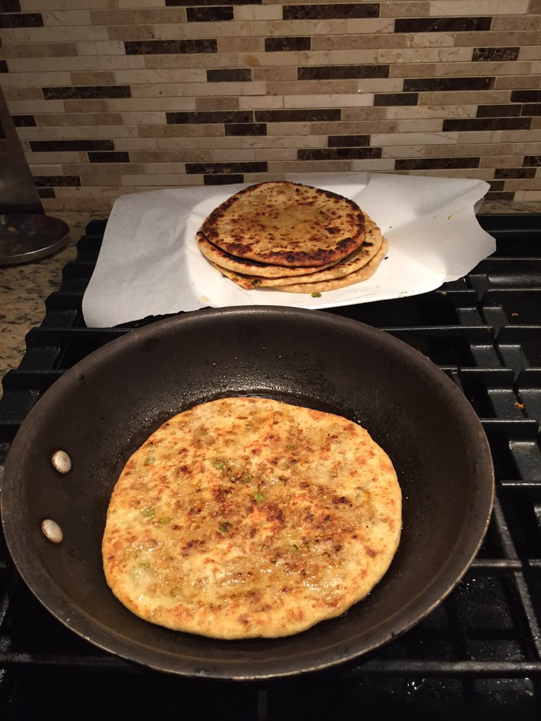 So I tried my hand at Keema Paranthas tonight, not bad. @jaswantskitchen @masalamommas #mmchevy https://t.co/UhCojbxdgh