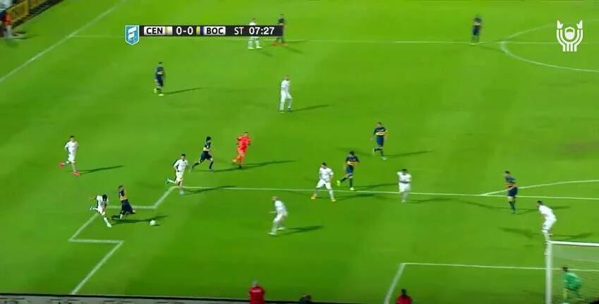 Atentos. Nueva forma de las canchas del fútbol argentino https://t.co/RCzgzcz941