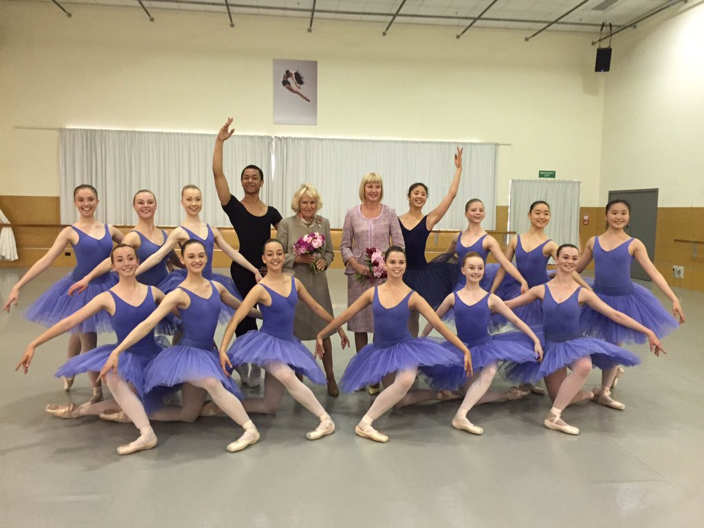 The Duchess of Cornwall visited the Te Whaea dance and drama school in #Wellington this morning. #RoyalVisitNZ https://t.co/Bb9E9cciP4