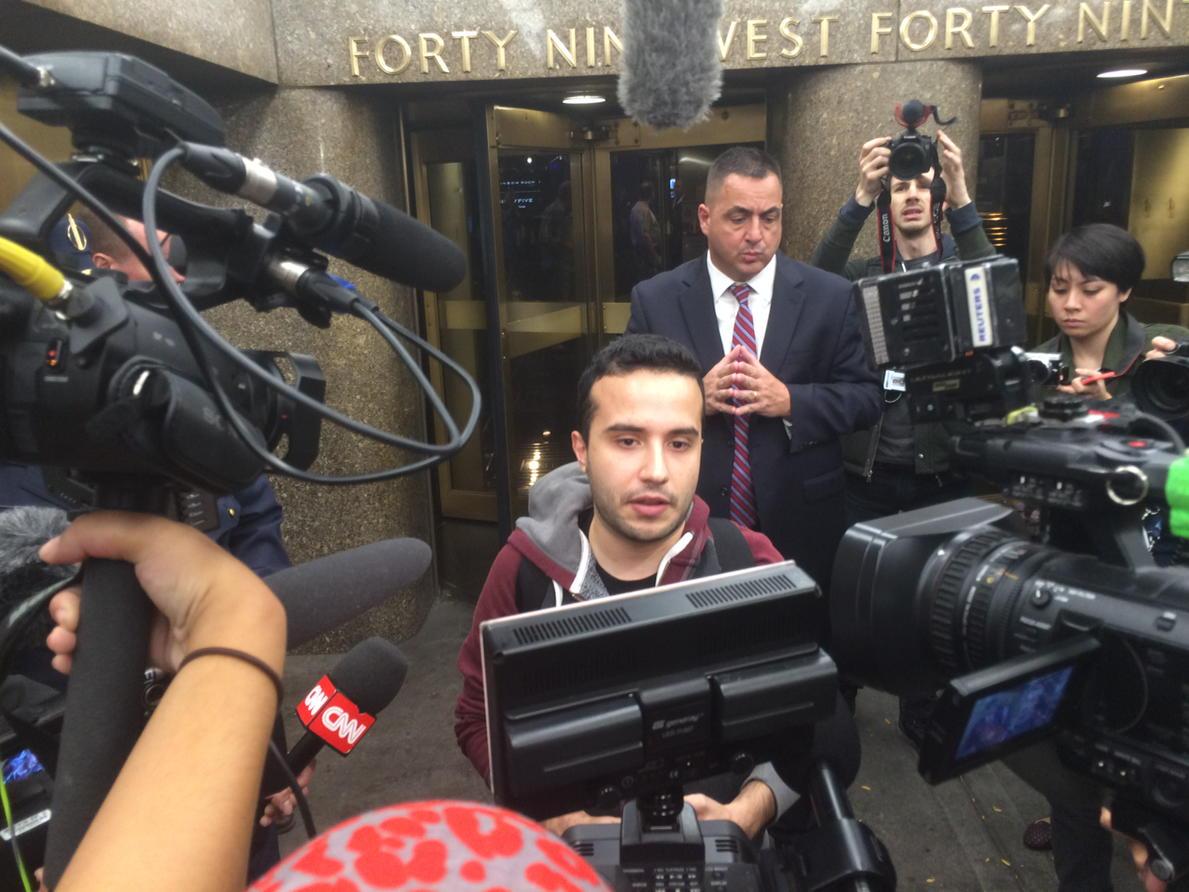 Juan Escalante just delivered 500k #DumpTrump signatures to NBC. https://t.co/CdMbHqN1w0